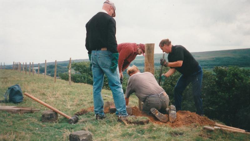 1996: Longworth fence building.